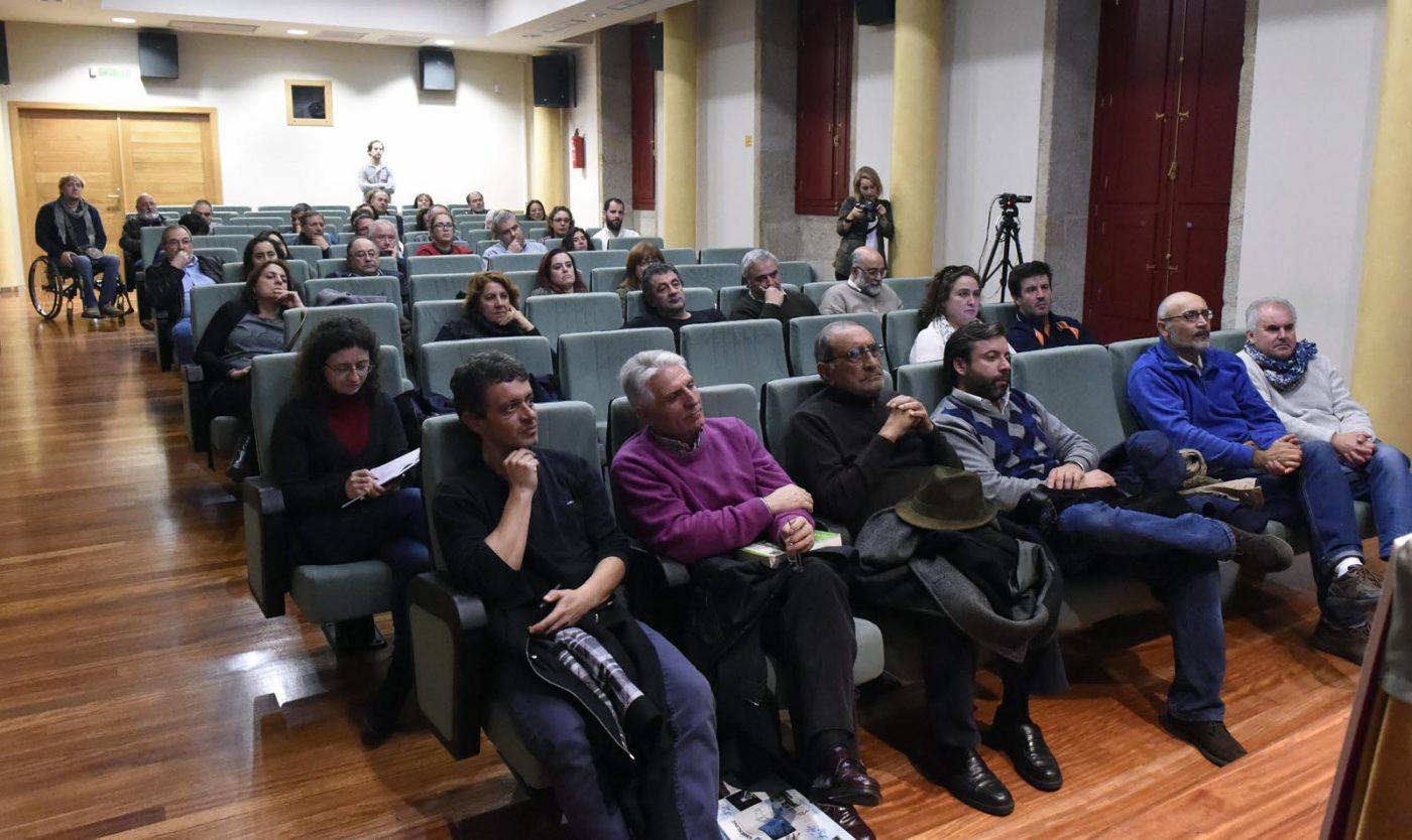 Público asistente ao acto, celebrado na Casa da Cultura de Verín.