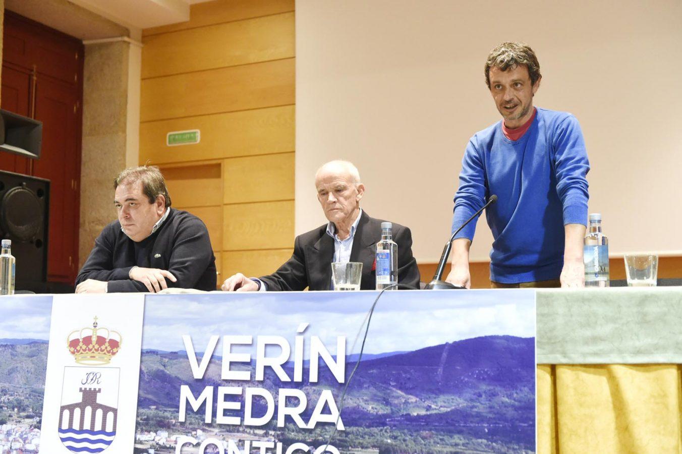 O alcalde de Verín, Gerardo Seoane, o relator Manuel Mandianes e o coordinador das xornadas, Bruno Rúa.