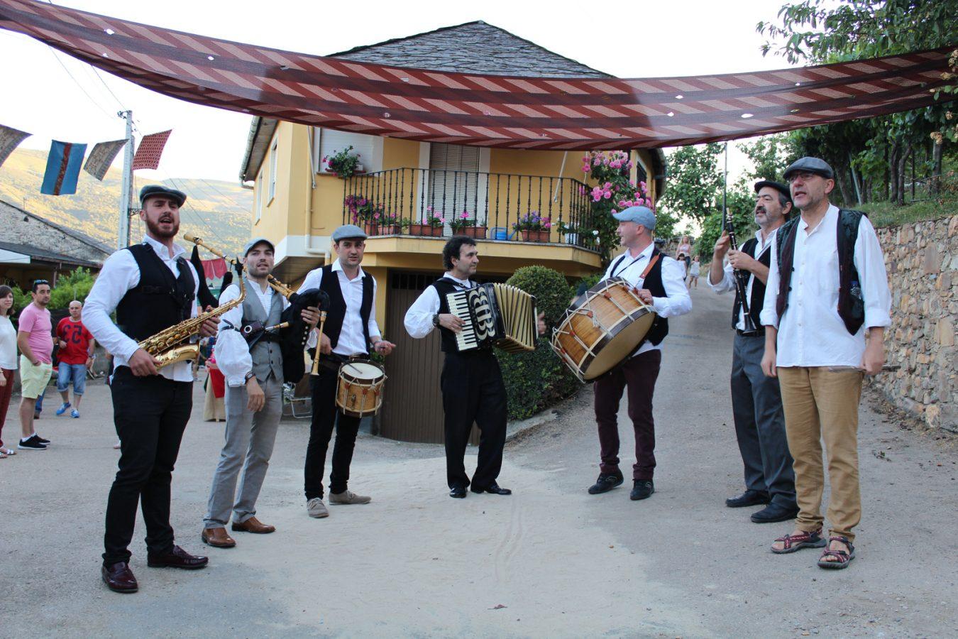 O grupo Pándega tamén actuará nos Cantos de Taberna da Festa do Botelo. /Foto: Mónica G. Bellver.