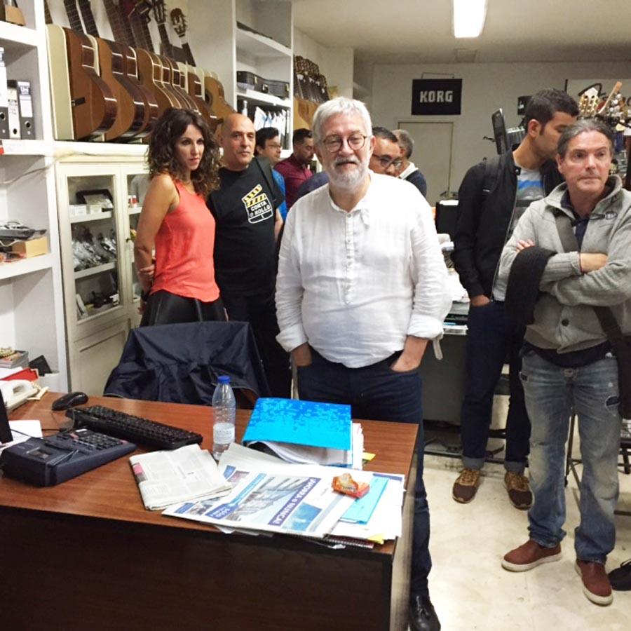 O cabeza de lista de Democracia Ourensana, Miguel Caride, ao comezo do escrutinio en Ourense./ Foto: Carlos G. Hervella.