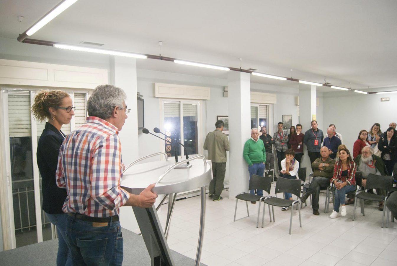 Un momento da valoración dos resultados electorais do PSOE ourensán./ Foto: Sara Fontenla.