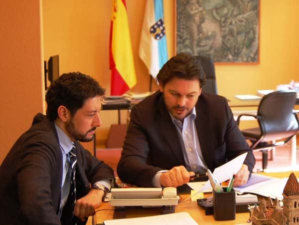 Photo of O secretario xeral de Emigración reúnese con Moisés Blanco