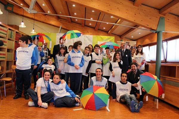 Photo of O Valedor do Pobo recibe a visita dos embaixadores da Campaña Mundial pola Educación