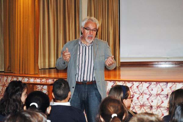 Photo of Alfredo Gómez Cerdá, no colexio Divina Pastora do Barco