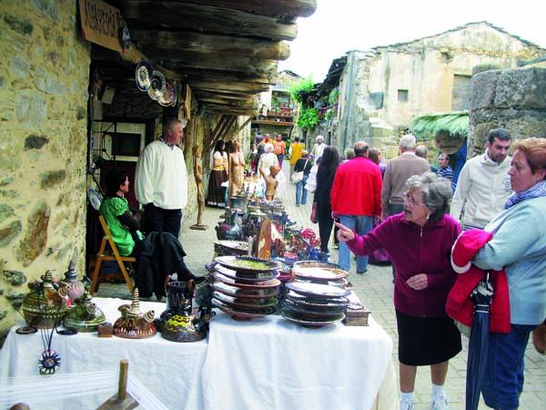 Un dos postos da pasada Festa de 1812 en Petín./ Foto: Carlos G. Hervella