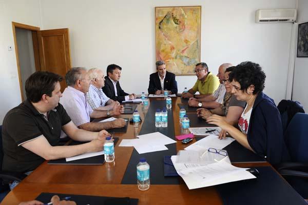 Reunión da comisión de seguemento da Plataforma Pro-A76 en Monforte./ Foto: Carlos G. Hervella