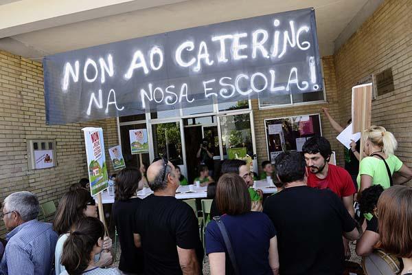 Photo of Manzaneda mobilízase ante a supresión da cociña do seu colexio