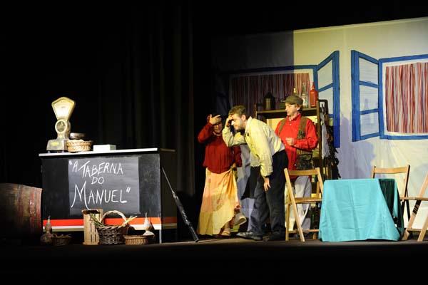 Photo of O teatro afeccionado sube ao escenario na Rúa