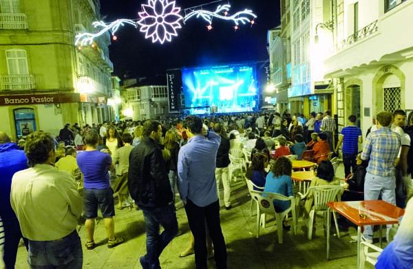 Photo of Unha festa temática dos 80 abre as festas de Viana do Bolo