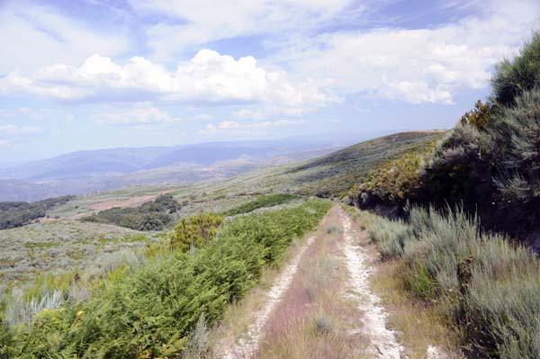 Photo of Trives promociona os seus lugares senlleiros e as súas rutas