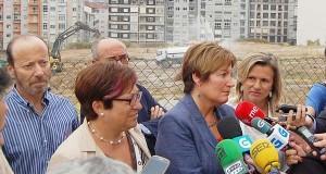 A conselleira de Sanidade visita as obras de ampliación do CHUO
