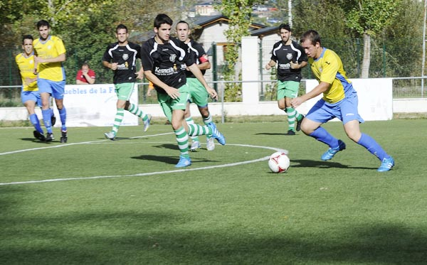 Photo of Táboas no campo de fútbol do Aguillón