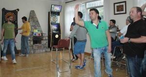 Torneo benéfico de dardos no bar O Chao