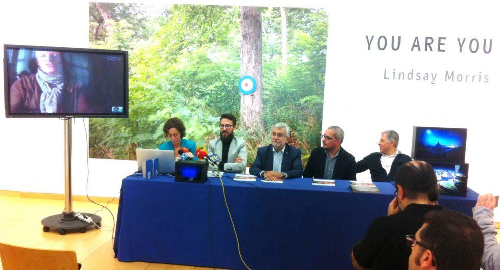 Presentación da mostra fotográfica no centro cultural da Deputación de Ourense.