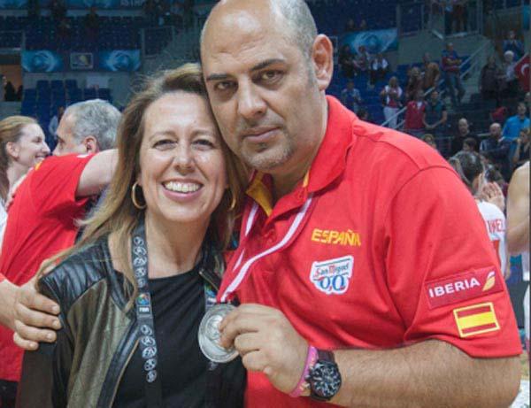 Lucas Mondelo con su medalla de plata.