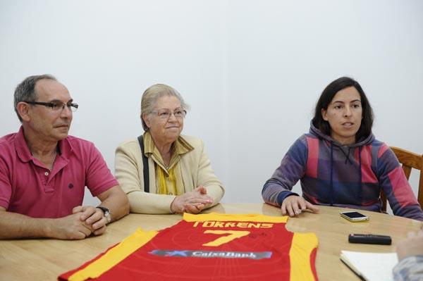 Pedro, Charo e Paula na redacción de O Sil. /Foto: Carlos G. Hervella.