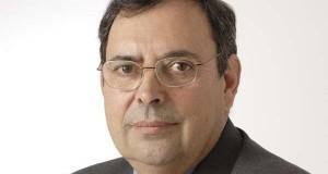 Tras case 28 anos como alcalde de Castro Caldelas, Eladio Osorio abandona o cargo