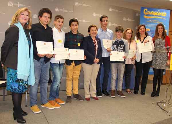 Photo of Premio Consumópolis para alumnos do IES O Couto de Ourense