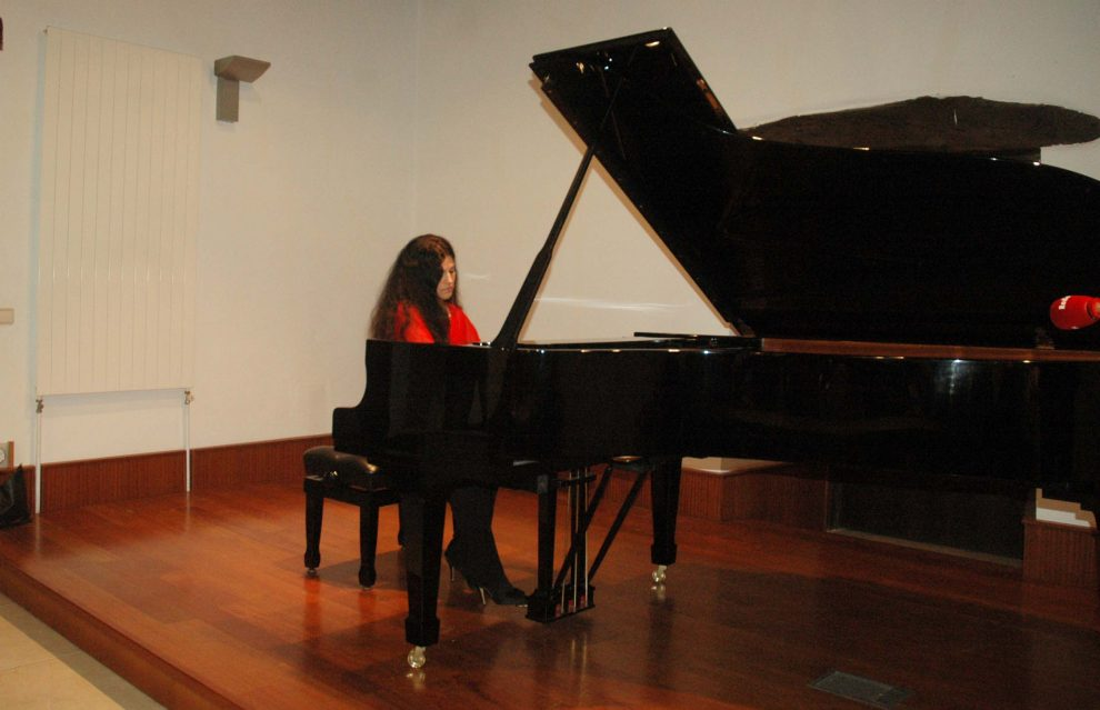 Photo of Sara Marianovich dará unha clase maxistral de piano no Teatro Lauro Olmo