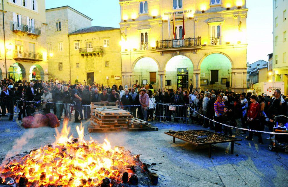 Magosto na praza Maior de Ourense. /Foto: Carlos G. Hervella.