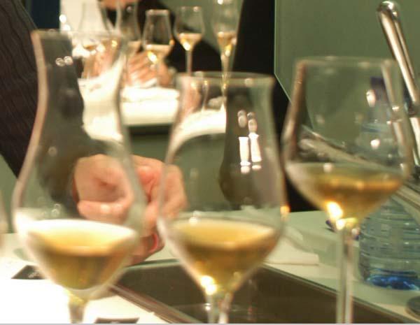 Imaxe dunha cata de viños doces.