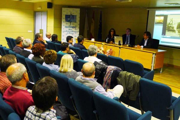 A reunión tivo lugar no salón de actos do Hospital Comarcal Valdeorras (HCV)./ Foto: Ángeles Rodríguez.