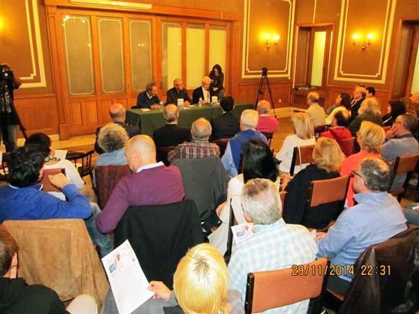 Público asistente á presentación en Ourense do novo libro de Pérez Touriño./ Foto cedida por Galaxia.