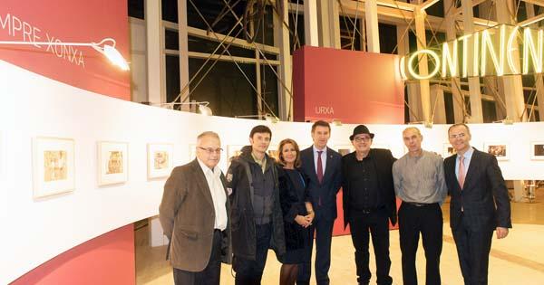 Participantes no acto de inauguración da mostra.