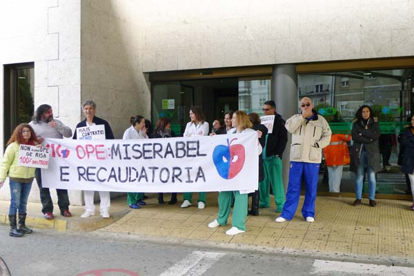 A concentración tiña lugar ás 11:30h. no Barco./ Foto: Ángeles Rodríguez.