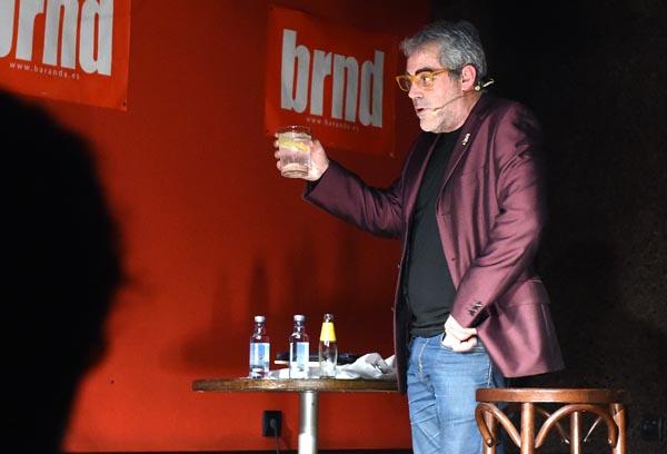 Photo of Carlos Blanco conecta co público valdeorrés
