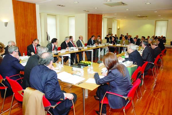 Photo of Primeira reunión da Comisión Executiva do Eixo Atlántico no Barco