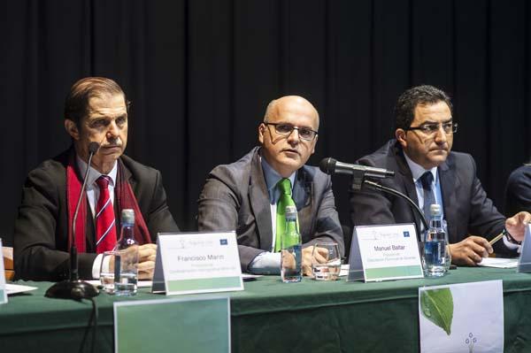 O presidente da Confederación Miño-Sil, xunto ao presidente da Deputación de Ourense, na xornada.