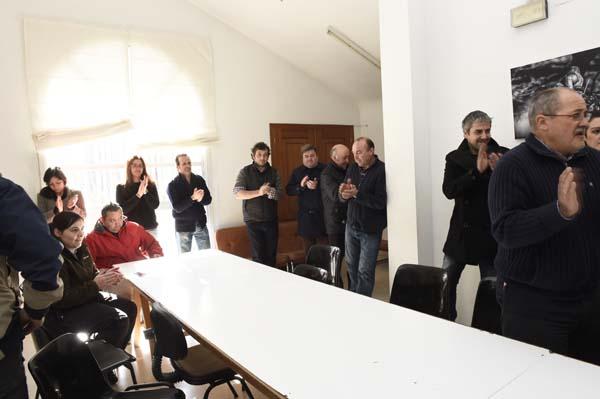 A rolda de prensa remataba con aplausos de apoio a García Pando./ Foto: Carlos G. Hervella.