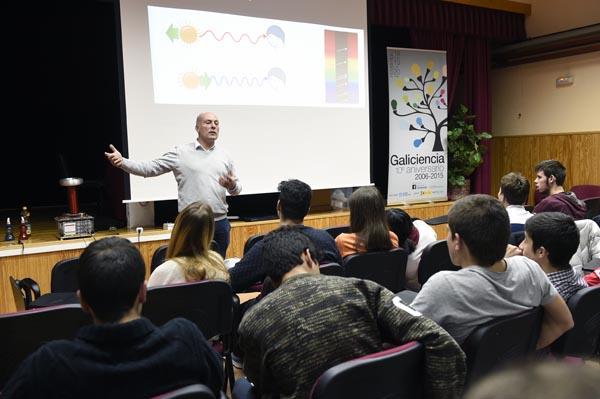 Photo of O IES Lauro Olmo acolle un espectáculo científico