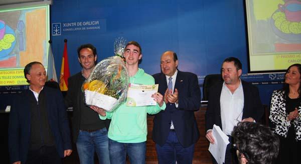 Carlos Tellez Domínguez recibindo o premio.