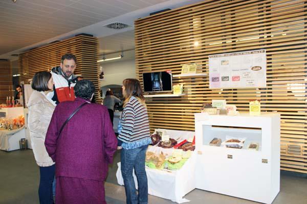 """O proxecto dábase a coñecer no marco da Feira """"Chocolate Paixón"""", na Praza de Abastos monfortina."""