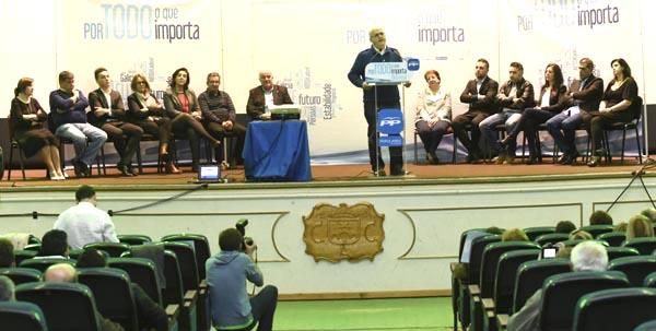 O presidente do PP de Ourense na presentación da candidatura na Rúa. /Foto: Carlos G. Hervella.