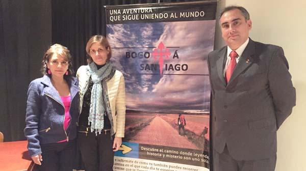 A directora de Turismo de Galicia, Nava Castro co reitor do CCEE Reyes Católicos, Luis Fernández.