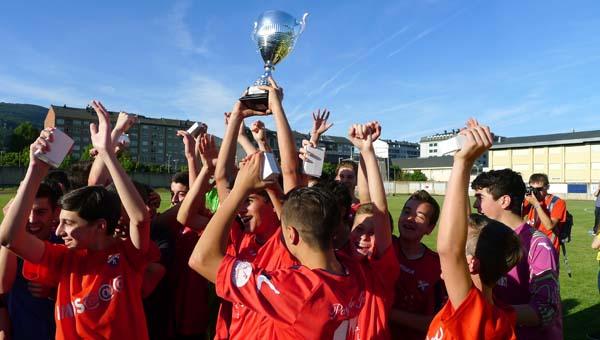 Photo of Os cadetes do C.D. Barco, campións da Copa Deputación