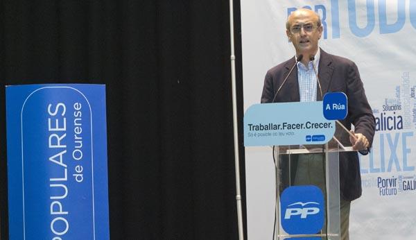 O deputado no Congreso por Ourense, Celso Delgado, na súa intervención. /Foto: Carlos G. Hervella.