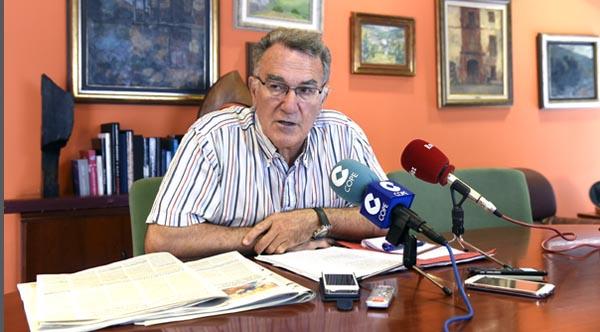 Alfredo García, alcalde do Barco, na rolda de prensa do 14 de maio./ Foto: Carlos G. Hervella.