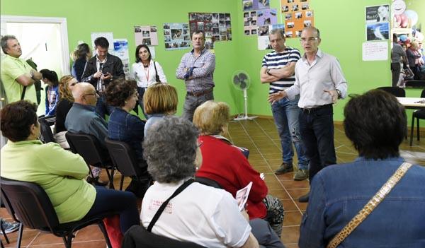 Photo of O candidato socialista reúnese cos veciños da Chavasqueira