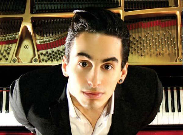 Photo of O pianista trivés Fabio Álvarez dará un recital en Ourense
