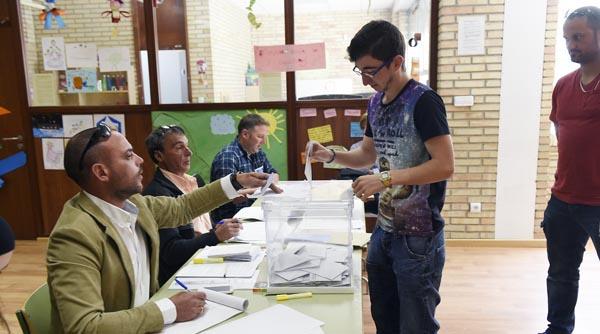 Photo of Os ourensáns votan as novas corporacións