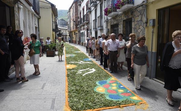 Photo of As alfombras do Corpus enchen de cor as vilas