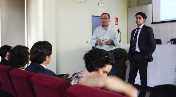 O vicepresidente de Aeva, Santiago Melo e o subdirector de Información do Igape, Curro López./ Foto: Mónica G. Bellver.