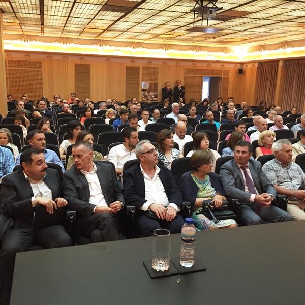 Asistentes a esta asemblea da confederación ourensá./ Foto: Carlos G. Hervella.