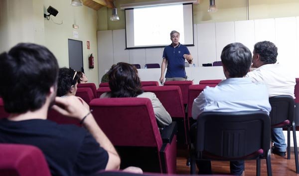 """Photo of Xornada de """"Innovación e Competitividade"""" en Valdeorras"""
