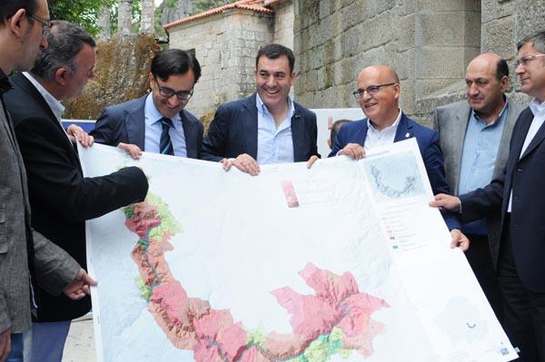 Photo of Os informes técnicos da candidatura da Ribeira Sacra á patrimonio mundial, en mans da Xunta