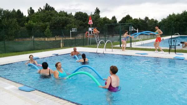 Photo of Comezan as actividades nas piscinas de Sober
